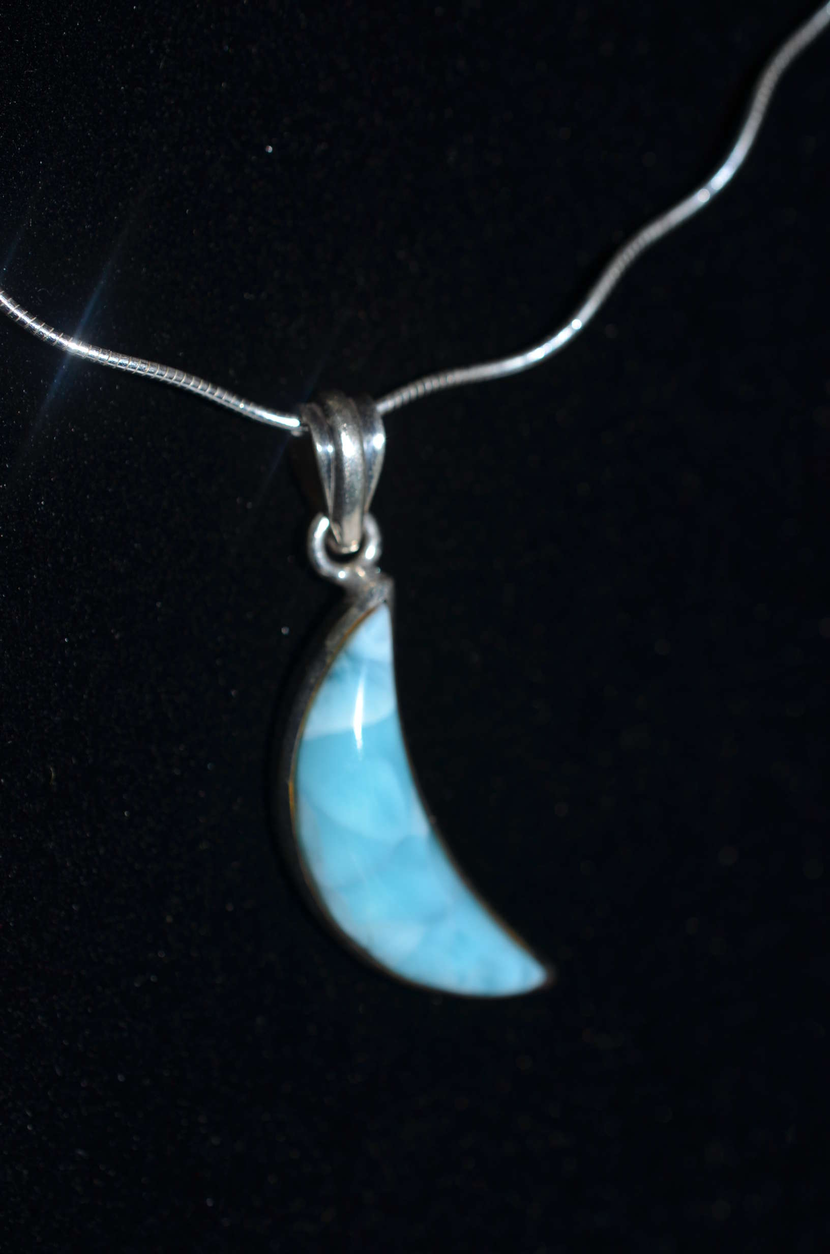 products open half necklace moon vernacular pendant