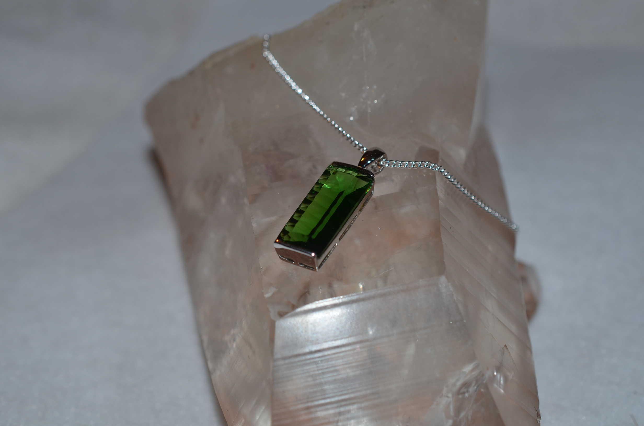 Volcanic Cherry Quartz Crystal Necklace Epidote Stone